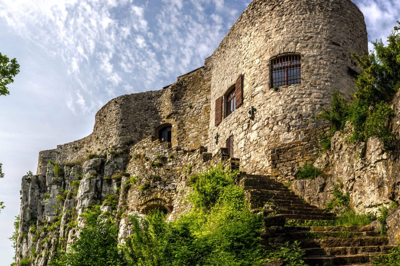 Socerb castle tour